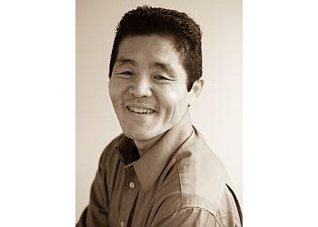 Toronto chiropractor Dr. Ken Nakamura, DC