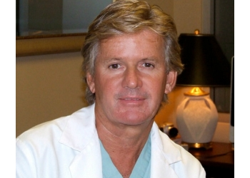 Barrie plastic surgeon Dr. Kenneth Dickie, MD, FRCS(C)