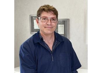 St Catharines dentist Dr. Lain Vendittelli, DDS