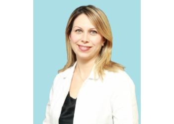 Halton Hills cosmetic dentist Dr. Lida Hosseini, DDS