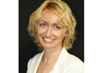 Dr. Liliya MacKenzie, DDS