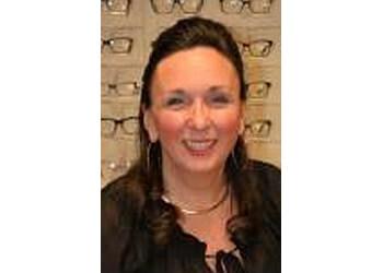 Waterloo pediatric optometrist Dr. Linda Daniar, OD