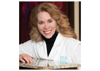 Toronto dermatologist Dr. Lisa Kellett