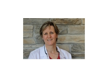 Orillia dentist Dr. Louise Hill, DMD