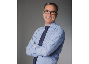 Winnipeg cosmetic dentist Dr. Marc Mollot, DMD