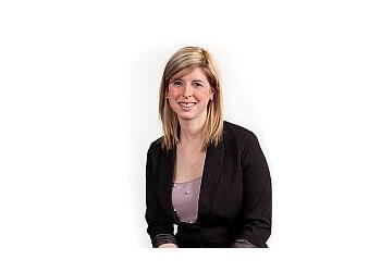 Drummondville chiropractor Dr. Marie-Eve Fournier, CHIROPRATICIEN DC