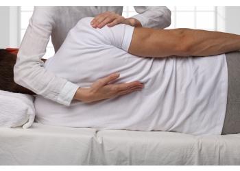 Trois Rivieres chiropractor Dr. Maxime Hains, CHIROPRATICIEN  DC