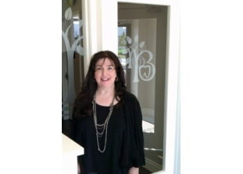 Caledon cosmetic dentist Dr. Mindy Gelfand, DDS