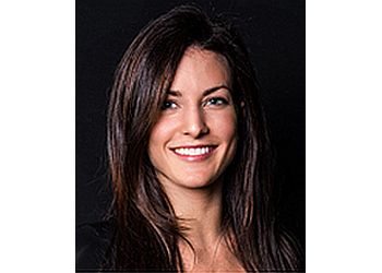 Laval chiropractor Dr. Myriam Bourgault, DC