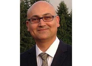 North Vancouver chiropractor Dr. Peyman Khademi, DC