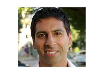 Vancouver chiropractor Dr. Raminder Badyal, DC