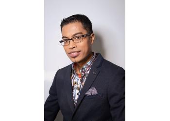Gatineau cosmetic dentist Dr. Rasmey Khuon, DDS