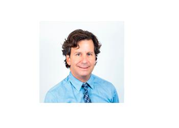 Orillia cosmetic dentist Dr. Rob Eisen, DDS
