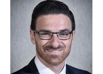 Montreal dentist Dr. Roy Raviv, DMD