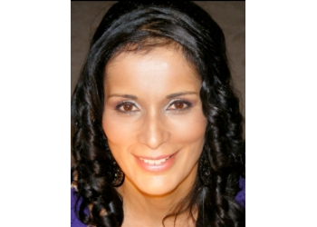 Mississauga cosmetic dentist Dr. Seema Steffens, DDS