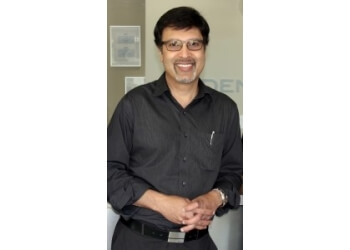 Kitchener dentist Dr. Sharib Manzoor, DDS