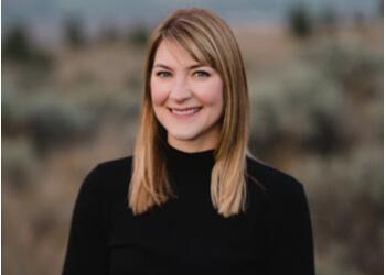 Kamloops chiropractor Dr. Stephanie Hutchins, DC