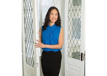 Waterloo plastic surgeon Dr. Stephanie Ma, MD, FRCS(C)