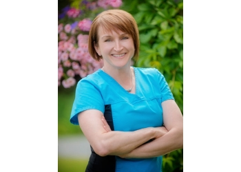Prince George cosmetic dentist Dr. Suzanne Rozon, DMD