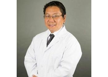 Brossard podiatrist Dr William Lee, DPM