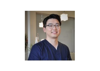 Vaughan cosmetic dentist Dr. Yohan Mun, DDS