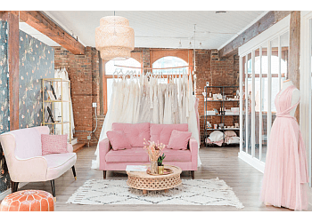 Montreal bridal shop Dream It Yourself