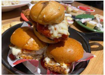 St Johns italian restaurant East Side Mario's