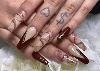 Saskatoon nail salon Eleganta Nails