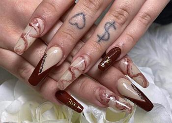 Saskatoon nail salon Eleganta Nails