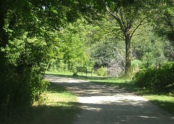 Guelph hiking trail Eramosa River Trail