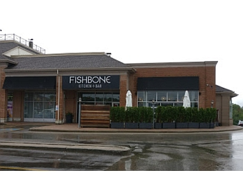 Aurora seafood restaurant FISHBONE KITCHEN + BAR