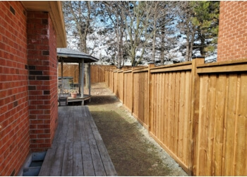 Mississauga fencing contractor FLAWLESS FENCE