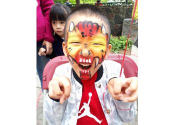 Mississauga face painting Faceloon