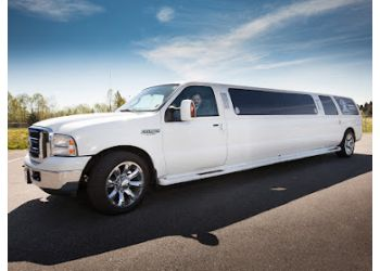 Maple Ridge limo service Glamorous Arriving Limousine Service