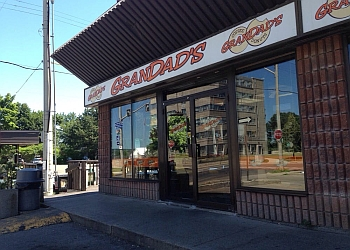Hamilton bagel shop Grandad's Donuts
