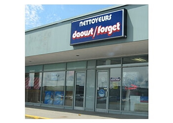 Brossard dry cleaner Nettoyeur Daoust/Forget