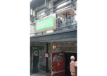 Montreal pub HURLEY'S IRISH PUB