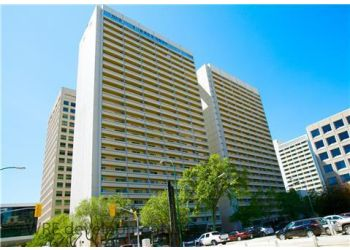 Winnipeg apartments for rent Holiday Towers South