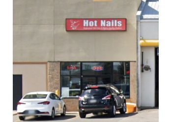 Sault Ste Marie nail salon Hot Nails