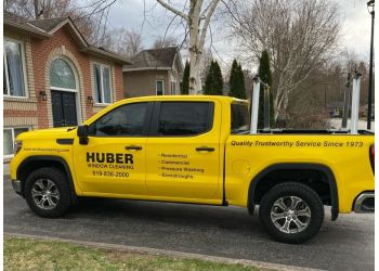 Guelph window cleaner Huber Window Cleaning