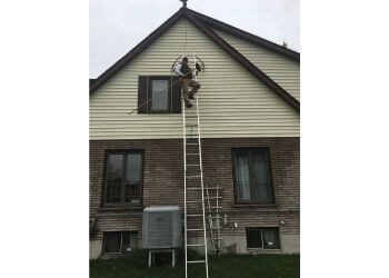 Peterborough window cleaner Hunt Gord Window Cleaning