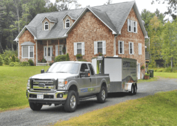 Fredericton gutter cleaner HydroClean