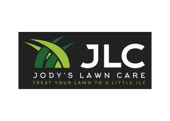 Norfolk lawn care service JODY'S LAWN CARE