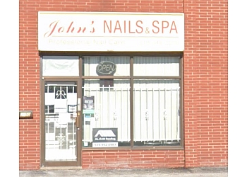 Windsor nail salon John's Nails & Spa