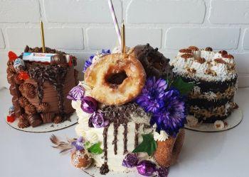 Guelph cake Killer Cupcakes Goremet