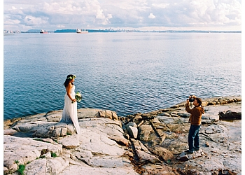 North Vancouver wedding photographer Kirill Bordon Photography