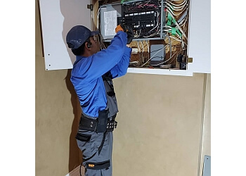 Richmond Hill electrician Kiyan Electric