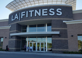 Aurora gym LA Fitness