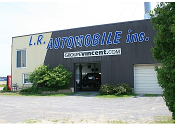 Trois Rivieres auto body shop L.R. Automobile Carrosserie