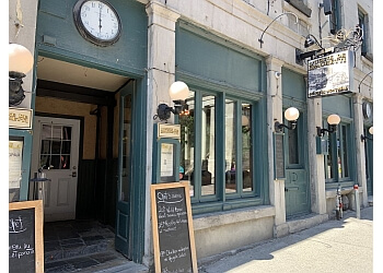 Montreal italian restaurant L'Usine de Spaghetti